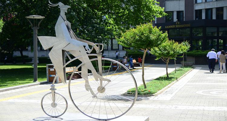 Abdulcanbaz-heykeli