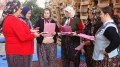Dünya Tiyatrolar Günü'nde Alkışlar Köy Kadınına