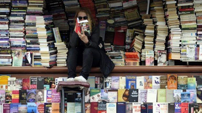 """""""Kitap kurdu"""" kimdir?"""