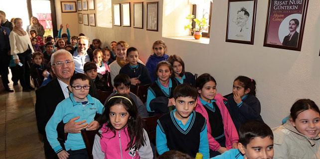 resat_nuri_edebiyat_gunleri_02