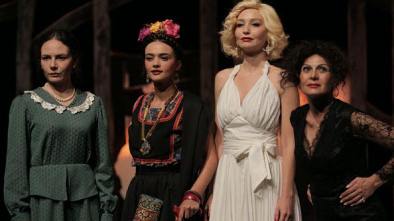 Dali'nin Kadınları sahnede