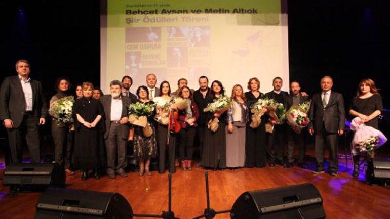 Behçet Aysan ve Metin Altıok Şiir Ödülleri Cevat Çapan ve Refik Durbaş'a