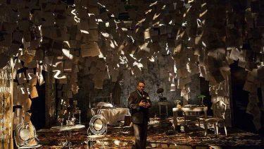 Yahya Kemal Beyatlı tiyatro sahnesinde