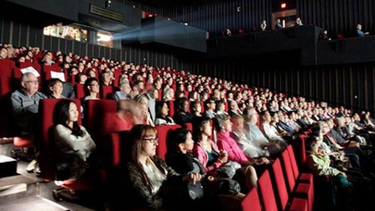 Sinema salonları film yapımcılarına açıldı
