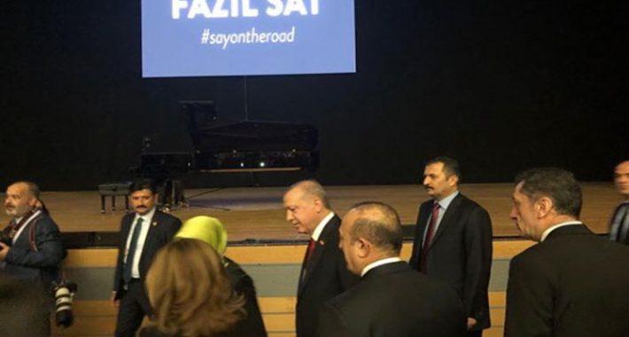 Fazıl Say konserine Cumhurbaşkanı Erdoğan eşi ile katıldı