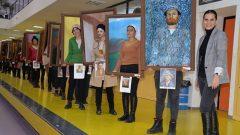 Yürüyen tablolar Bursa sokaklarında