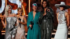 Grammy 2019 Michelle Obama ile renklendi