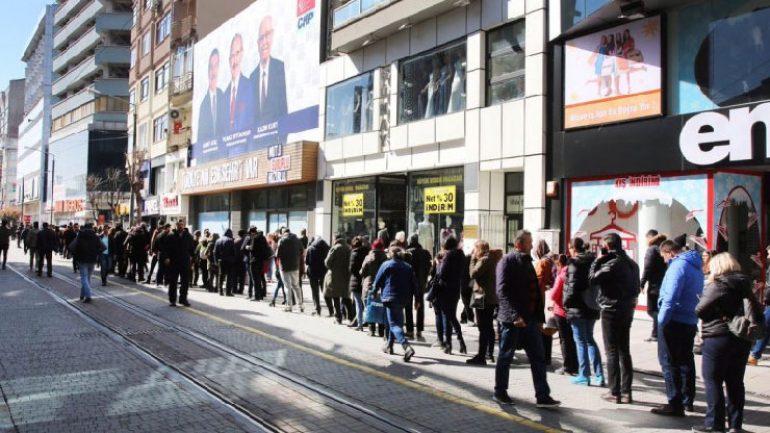 Eskişehir'de senfoni için bilet kuyruğu Türkiye gündeminde