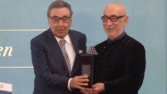Şener Şen'e Aydın Doğan Ödülü