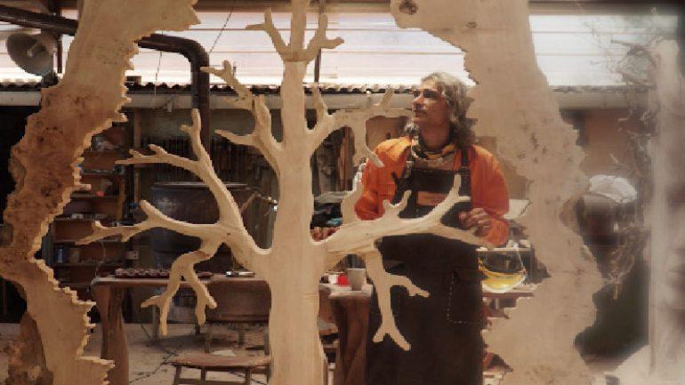 Ayhan Tomak Barış Ağacı ile mesaj veriyor