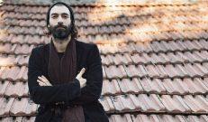 İlker Kaleli BBC dizisinde hippi rolünde