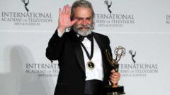 Haluk Bilginer Emmy ödülünü kime ithaf etti