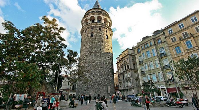 Ahmet Misbah Demircan'ın projesi Beyoğlu'yu canlandırıyor