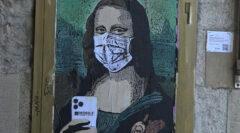 Corona maskeli Mona Lisa